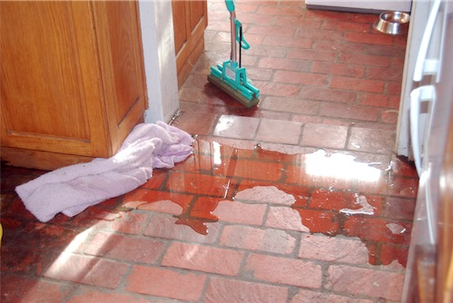 Burst Pipe Plumbing Problems Can Result In Water Everywhere